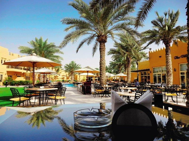 Al Hamra Village Golf & Beach ResortRestaurant