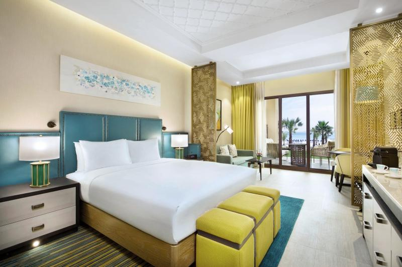 The Bay Club - DoubleTree by Hilton Resort & Spa Marjan IslandWohnbeispiel