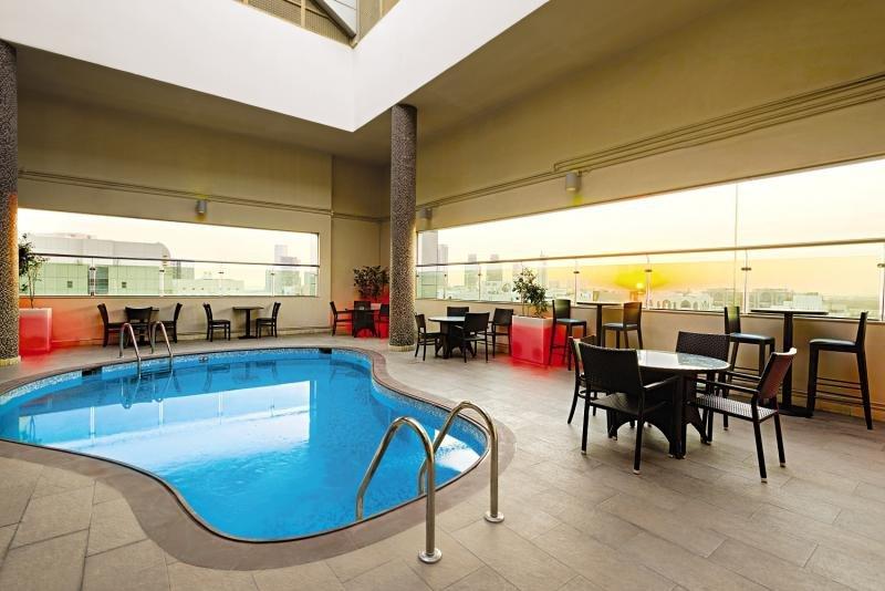 Ramada Abu Dhabi DowntownHallenbad