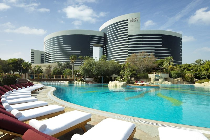 Dubai ab 805 €