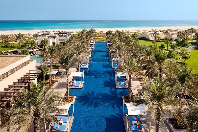 Abu Dhabi ab 1028 €