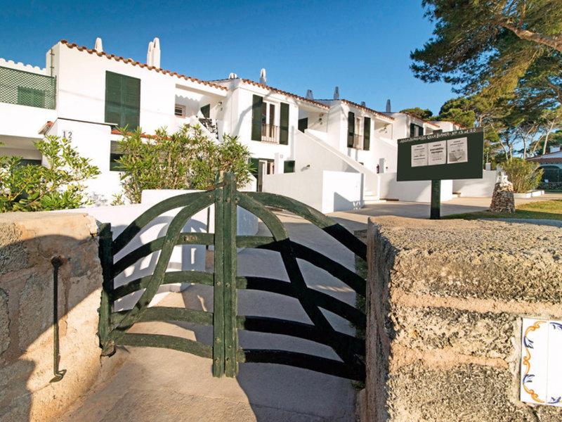 Apartamentos Cala Blanca in Cala Blanca, Menorca A