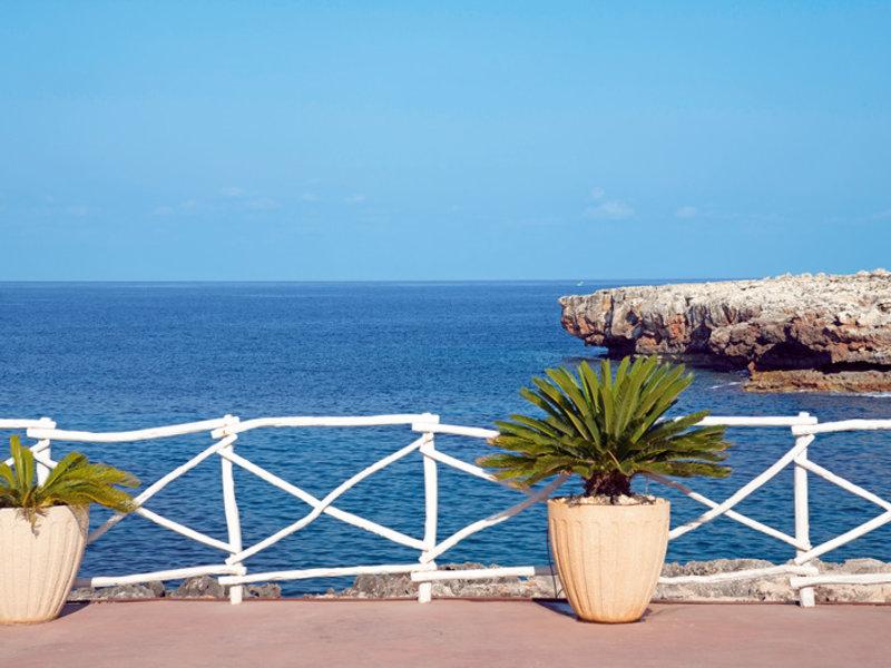 Apartamentos Cala Blanca in Cala Blanca, Menorca S