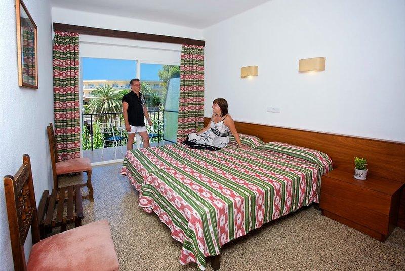 Villa Cati in Paguera, Mallorca W