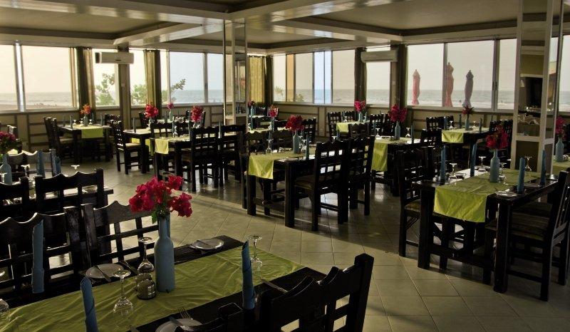 Sunset Beach Hotel in Kotu, Gambia R