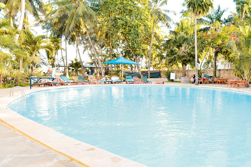 Travellers Beach Hotel in Bamburi Beach, Kenia - Küste P