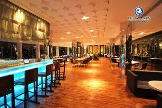 Hotel Ramada Plaza by Wyndham Bangkok Menam Riverside Bar