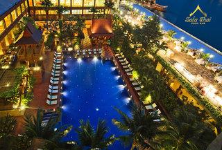 Hotel Ramada Plaza by Wyndham Bangkok Menam Riverside Pool