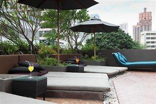 Hotel Golden Tulip Mandison Suites Pool