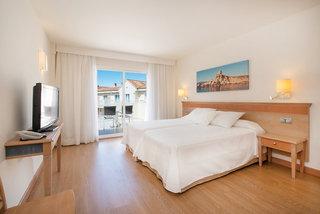 Hotel Iberostar Club Cala Barca Wohnbeispiel
