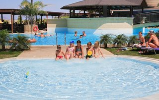 Hotel Sandy Beach Hotel & Family Suites Pool