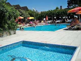 Hotel Leda Beach Hotel Pool