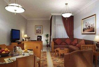 Hotel Two Seasons Hotel & ApartmentsWohnbeispiel