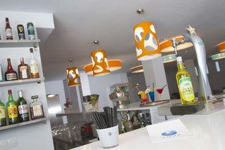 Hotel Aqua Suites Bar