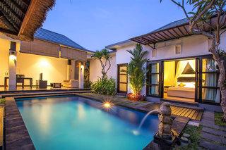 Hotel La Villais Kamojang Seminyak Pool