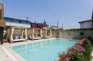Hotel Sura Hagia Sophia Pool
