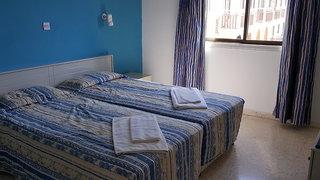 Hotel Cosmelenia Hotel Apartments Wohnbeispiel
