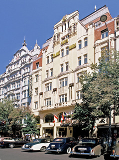 Hotel Ambassador Zlata Husa Außenaufnahme