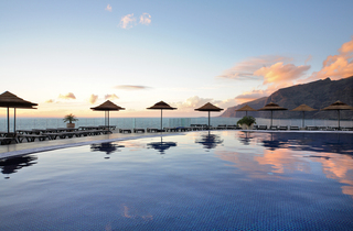 Hotel Barcelo Santiago Pool