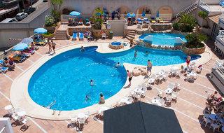 Hotel Kilimanjaro Pool