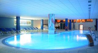 Hotel La Quinta Park Suites & Spa Hallenbad