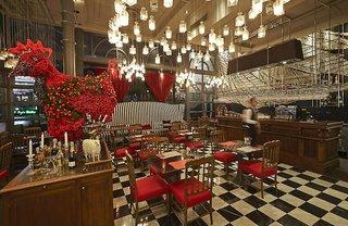 Hotel Woodlands Hotel & Resort Bar