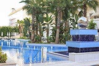Hotel Side Crown Palace Pool