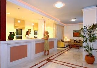 Hotel Selini Suites Lounge/Empfang