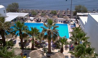 Hotel Kamari Beach Außenaufnahme