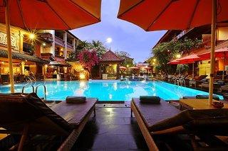 Hotel Wina Holiday Villa Pool