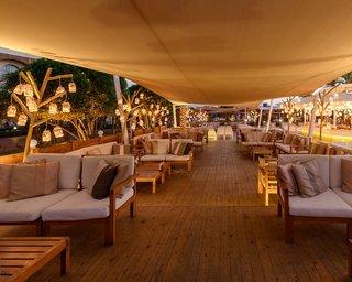 Hotel Desert Rose Resort Terasse
