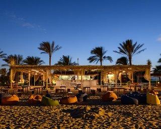 Hotel Desert Rose Resort Bar