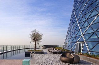 Hotel Andaz Capital Gate Pool