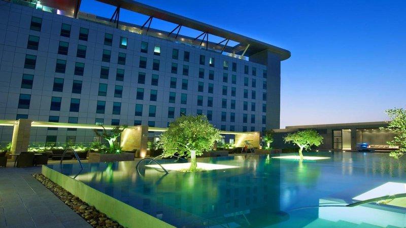 Abu Dhabi ab 498 € 5