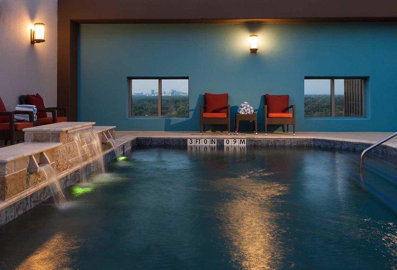 Hilton Dallas Park Cities Pool