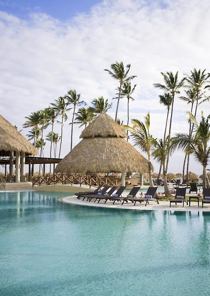 Now Larimar Punta CanaPool