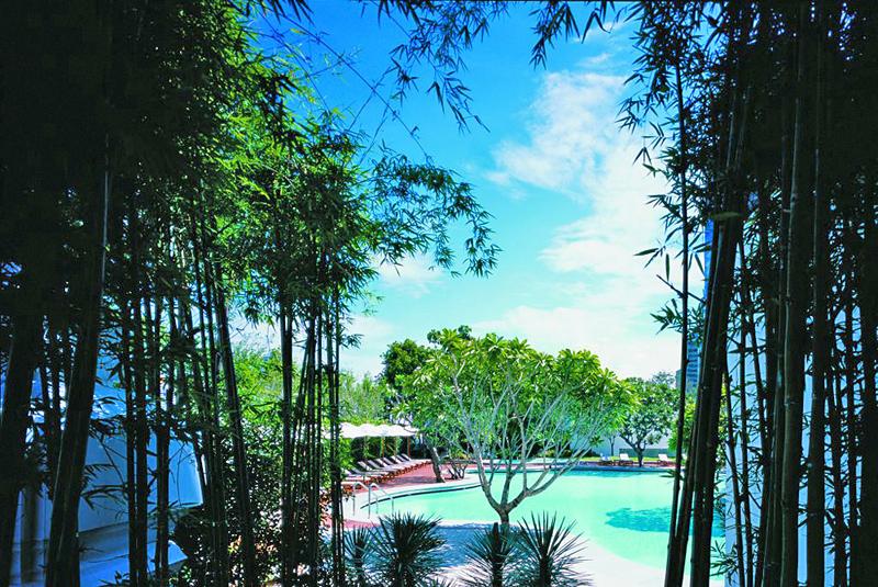 Grand Hyatt Erawan Pool
