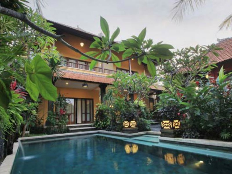 Mawa House Pool