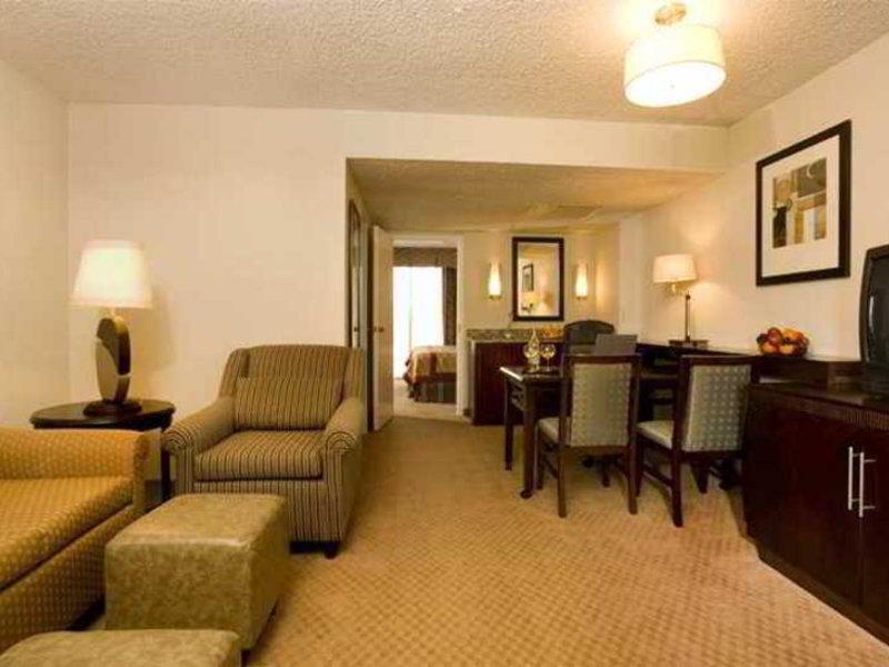 Embassy Suites by Hilton Dallas Market Center Wohnbeispiel