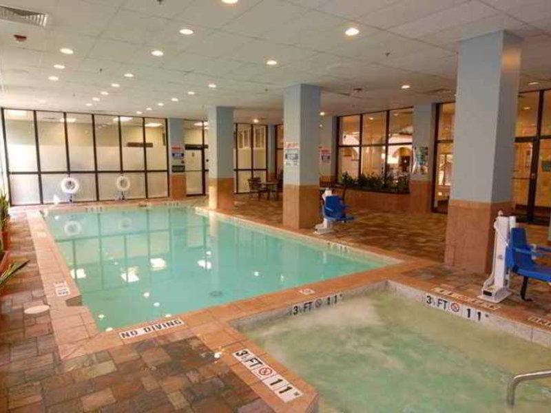 Embassy Suites by Hilton Dallas Love Field Hallenbad