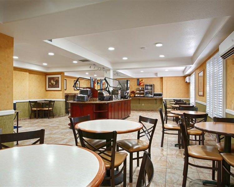 Best Western Plus Raffles Inn & Suites Restaurant