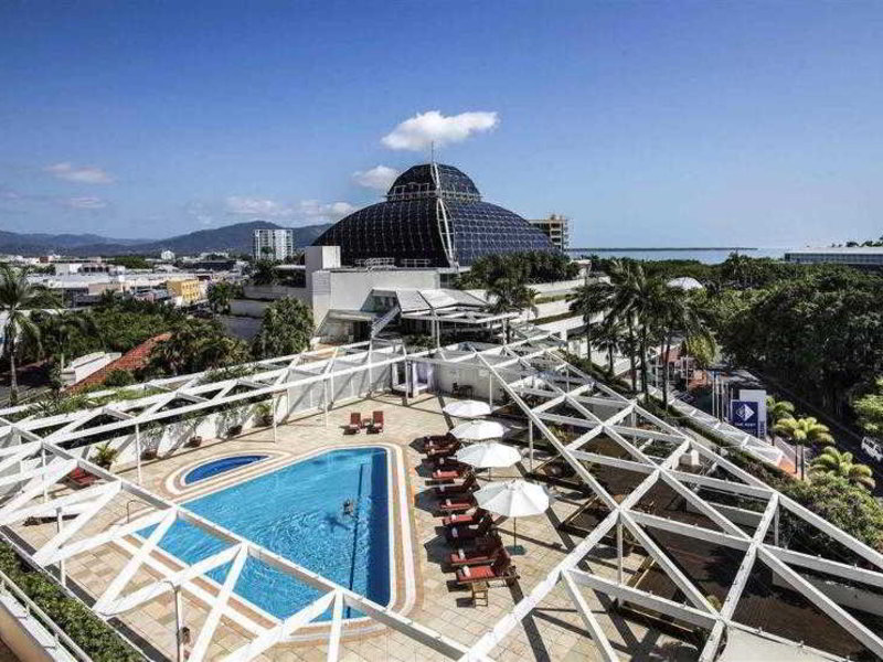 Pullman Reef Casino Cairns Pool