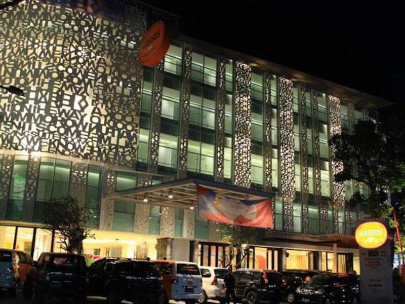 Harris Hotel Raya Kuta Außenaufnahme