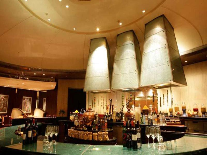 The Grand New Delhi Bar