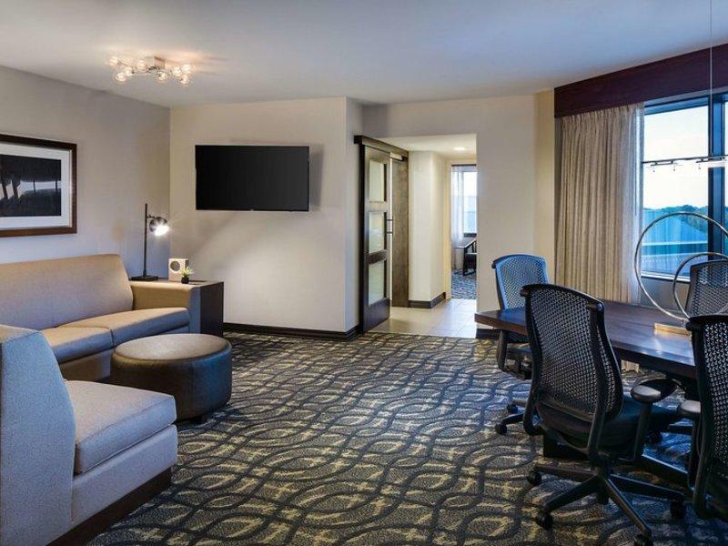 Embassy Suites by Hilton Dallas Love Field Wohnbeispiel