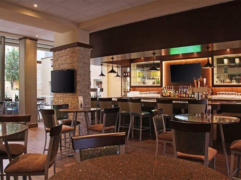 Embassy Suites by Hilton Dallas Market Center Restaurant