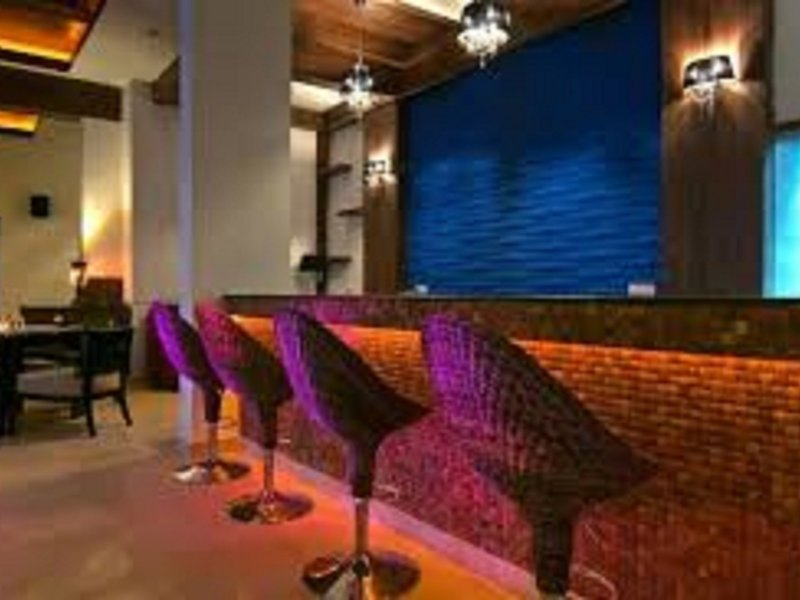 Nagoa Grande Bar