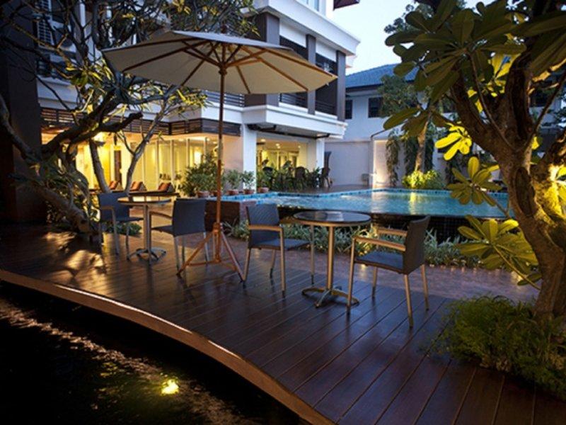 Suvarnabhumi Suite Pool
