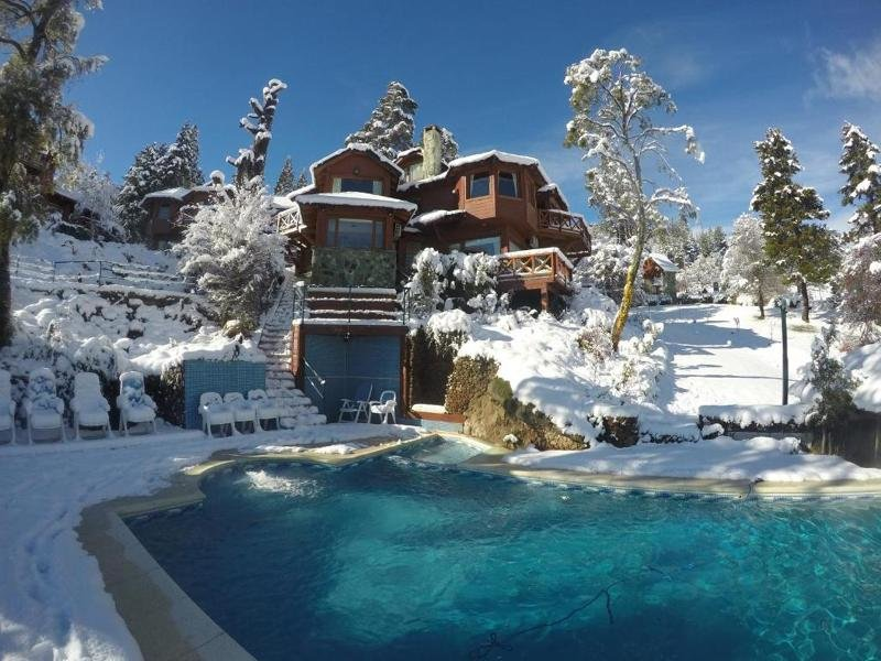 Charming Luxury Lodge & Private Spa Pool