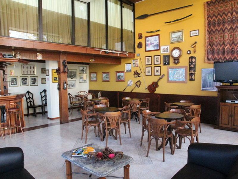 Flat Petras Residence Restaurant